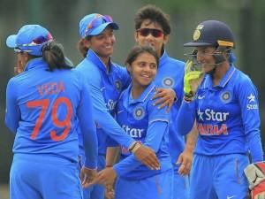 Indian Women S Cricket Team Took Trophy A One Day Tournamen