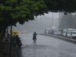 Rain Lashes Bengaluru Hosur Krishnagiri
