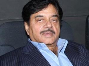 Shatrughan Sinha Welcomes Rajinikanth Politics