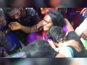 Transgenders Make Themselves As Widows Koothandavar Temple