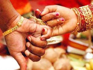 Wife Stopped Her Husband S 2nd Marriage Near Tirupur
