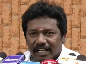President Election Actor Karunas Discuss Ttv Dinakaran