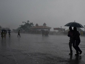 Monsoon Brings Heavy Rain Claims 5 People Death Kerala