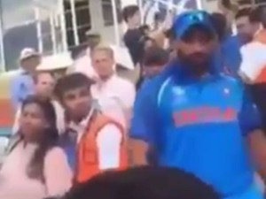 Pakistani Fan Taunted Mohammed Shami With Chants Who Is You Father