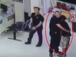 Thai Police Calms Knifeman With Hug Video Goes Viral