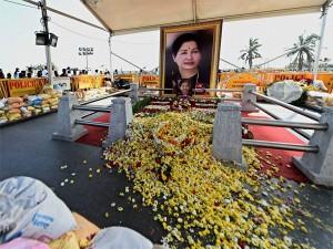Tamil Nadu Approves Memorial Jayalalithaa At Marina Beach I