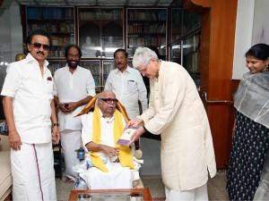Gopala Krishna Gandhi Meet Karunanidhi