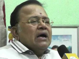 Actor Radharavi Questions Why Ministers Attacking Kamalhassan Only