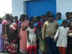 People Protest Against Tasmac Shop Near Tuticorin