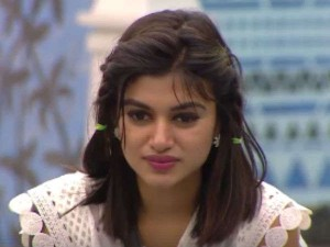 News Spreading Social Networks That Oviya Committed Suicide Attempt
