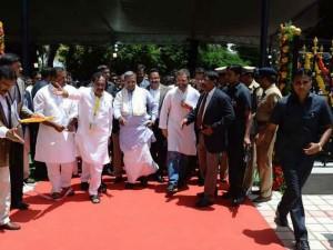 Rahul Gandhi Launches Indira Canteen Bangalore