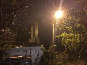 Rain Lashes Bengaluru The Evening Predicts More Rain Inthe Vinayagar Chathurthi Eve