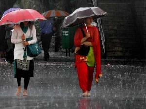 Rain Lashes Many Parts The Chennai City