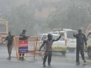 Rain Causing Traffic Jams Chennai