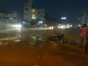 Heavy Rain Continues Bengaluru