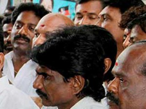 Mlas At Kudagu Resort Met Dinakaran Requests Set Them Free
