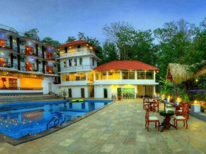 Coorg Police Sents Notice Resort The Row Tn Mlas Staying