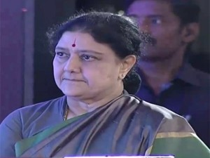 Ops Eps Expel Sasikala From Aiadmk