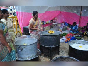 Teachers Cook Themselves Ezhilagam Participate Protest