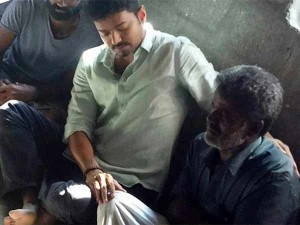 Actor Vijay Visits Anitha S Father Brother At Their Residence Kuzhumur Consolation
