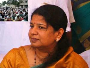 Rajyasabha Mp Kanimozhi Meets Supports Nurses Their Protest