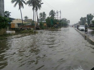 Chennai Flood 2017 Knee Deep Water Reach People House