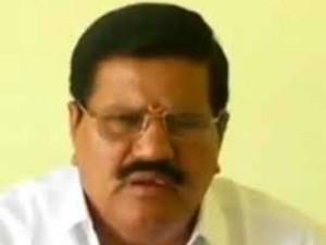 Soolur Mla Kanagaraj Greets Ttv Dinakaran The Rk Nagar Poll Victory