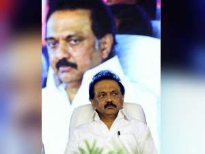 Mk Stalin Visits Kanyakumari After Ockhi Cyclone Lashes