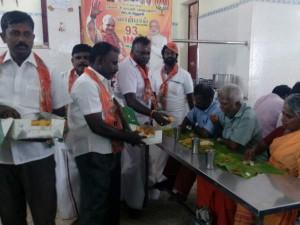Bjp Workers Perform Havan Celebrate Vajpayee S 93rd Birthday