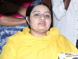 J Deepa Urges Tn Government Solve The Transport Workers Problem