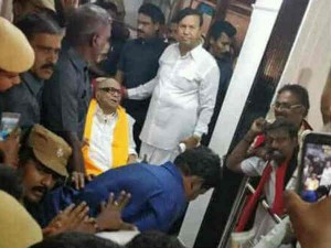 Karunanidhi Today Meets Dmk Cadres On Pongal