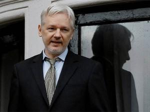 Julian Assange Got Citizenship Ecuador
