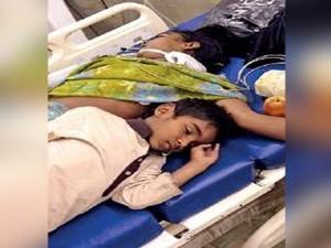 Year Old Boy Sleeps Next His Dead Mom Hyderabad