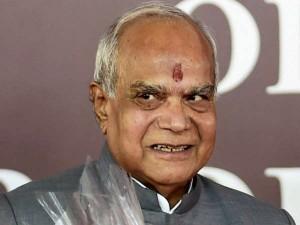 Governor Banwarilal Purohit Meets Shankaracharya Kanchi