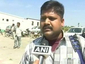 Commuters Face Inconvenience At Karnataka Tamil Nadu Border