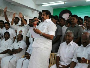 One More Mla Extend Support Edappadi Palanisamy Team