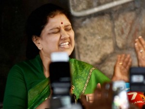 Year Back Sasikala S Midnight Interview Revealed Her Face