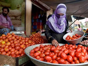 People Are Happy With Tomato Price Vegetable Markets