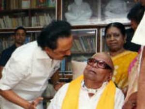 M K Stalin Met Dmk Chief Karunanidhi After Returned Chennai