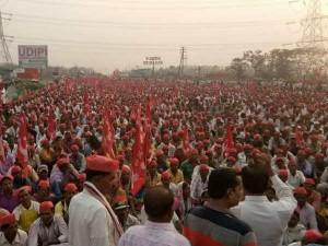 Reason Behind The Farmers Protest Mumbai