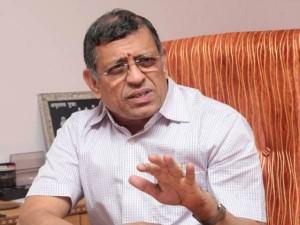 Delhi Highcourt Discontent Over Gurumurthy S Tweet About Judges
