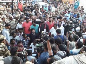 Police Arrests Seeman Thameemun Ansari Party Cadres