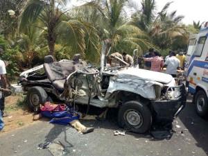 Car Van Collided 3 Dead Theni