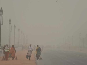Smoke Storm Hits Many Parts Delhi Affects Daily Life