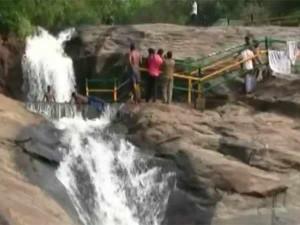 Flood Theni Kumbakarai Falls 9th Day