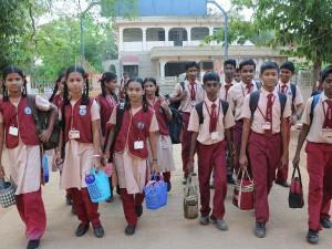 Tamilnadu Govt Decided Close 800 Govt Schools
