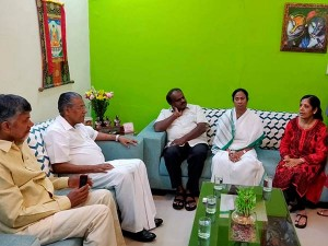 State S Chief Minister Supports Delhi Cm Arvind Kejriwal