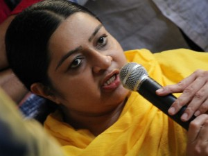 J Deepa Condemns Neet Exam Express Condolence Pratheeba