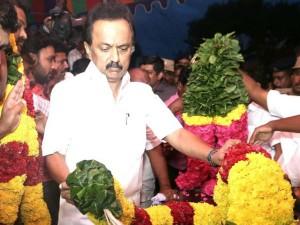 Mk Stalin Pay His Tribute Pratheeba