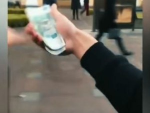 Video Shows Rich Russian Teenagers Throw Money Of Car St Petersburg